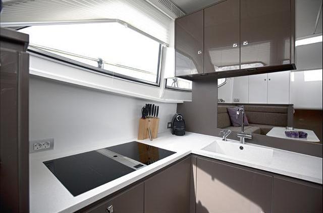 Taupe Kleur Keuken: Muur kleur taupe anortiz for. Witte keuken taupe ...